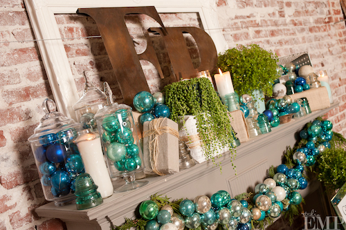 13-blue-christmas-mantel