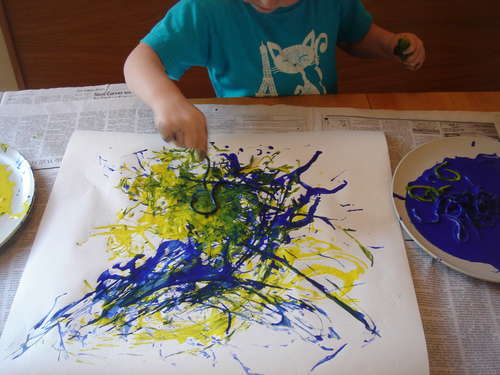 How-to-use-spaghetti-to-paint-like-Jackson-Pollock