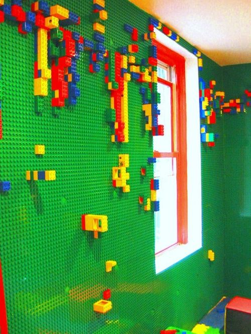 Draft_lens17662429module148538348photo_3_12987529558-lego-wall-room_lg